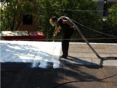 Thermal insulation of houses with polyurethane