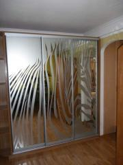 Delivery and installation of mirrors and glass