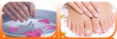 Parafinoterapiya of hands and legs