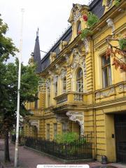 Finishing of facades of buildings Kiev, exterior