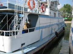Transportation of bulky goods across the Danube