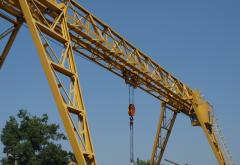 Dismantle of cranes - goa