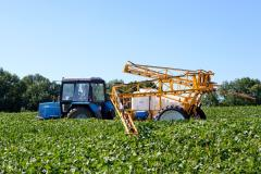 INTRODUCTION of LIQUID FERTILIZERS by means of the