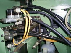 Service of hydropneumatic systems