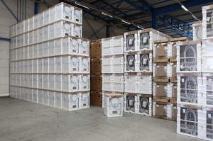 Floor storage of loads. Full range of logistic