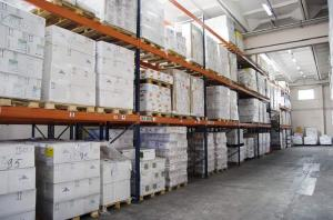 Warehouse services of storage of loads on pallets