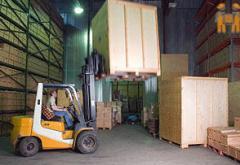 Services of warehouses for storage of dry products