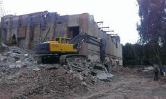 Dismantle of steel concrete designs