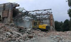 Demolition of workshops of industrial buildings