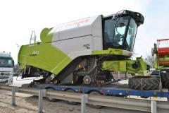 Transportation of combines