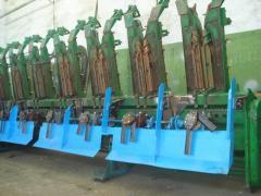 Установка модуля измельчителя на кукурузную жатку