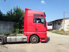 Dismantling of trucks