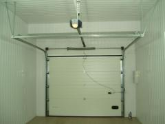 Repair and service of automatic section gate