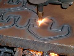 Services of plasma cutting of metal on machines