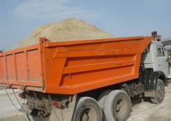 Delivery of building materials by dump trucks