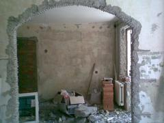 Plaster, filling of walls
