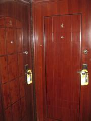 Dissemination of advertising on door handles