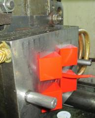 Molding of plastic under pressure on automatic