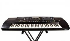 Rent of a synthesizer of Roland E86