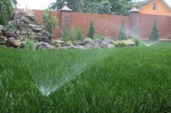 Установка системы полива для домов