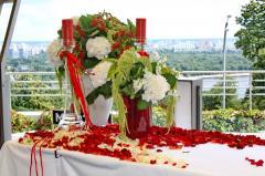 Оформление живыми цветами свадеб, мероприятий,