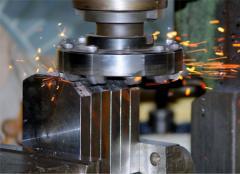 Изготовление деталей из металла на прессовом