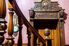 Деревянные интерьеры, кессонные потолки, изготовление дизайнерских предметов мебели и интерьеров.