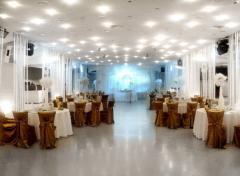 Ресторанні послуги -Банкетний зал для Весілля свят та вишуканої вечері