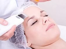 Ultrasonic face peel
