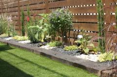 Посадка растений в саду Херсон