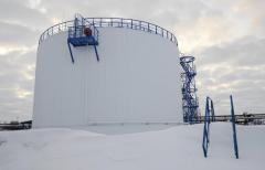 Anticorrosive protection of reservoirs for oil