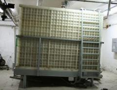 Capacities for storage of fruit apple puree.