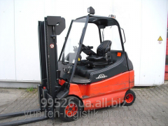 Rent - the Loader fork electro 2003 of Linde