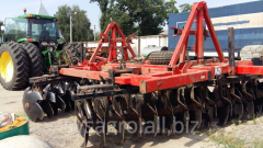 Disking tractor