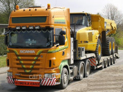 Road haulage of bulky heavyweight goods