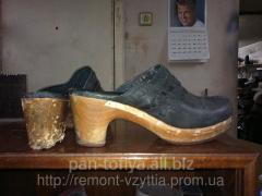 Replacement of coverings by heels, footwear sole,
