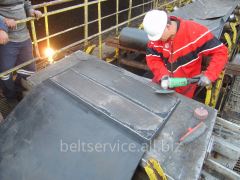 Cold curing of conveyer belts