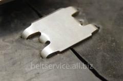 Ремонт порезов конвейерной ленты механическими соединителями скобами