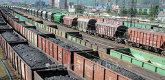 Transportation of loose freights by rail