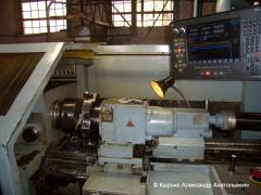 Production of parts on universal thread-cutting