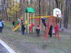 Delivery installation installation of playgrounds