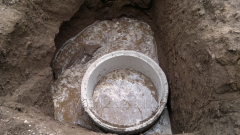Construction of turnkey drain holes