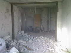 Demolition of walls in the apartmen