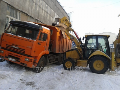 Cleaning of snow and ice excavator