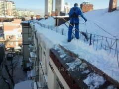Cleaning of snow from roofs
