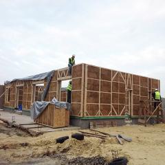 Производство и строительство каркасных домов из соломенных панелей