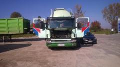 Транспортні послуги, перевезення вантажів.