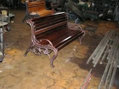 Benches assembled iron casting