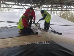 Installation of a waterproofing of a roof