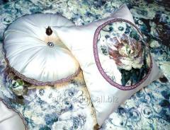 Покривала, декоративні подушки для спальні